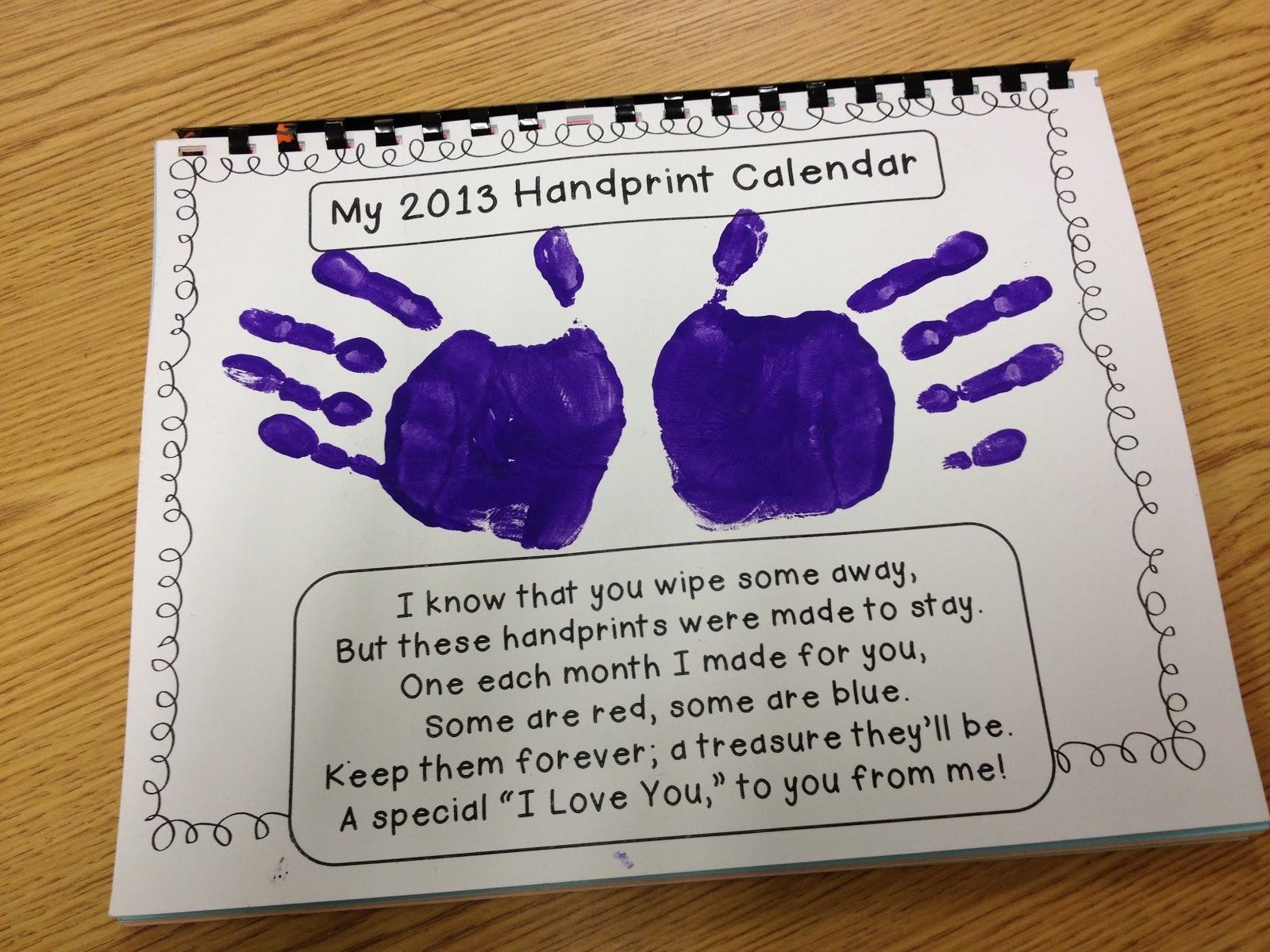 Gwhizteacher: Handprint Calendar