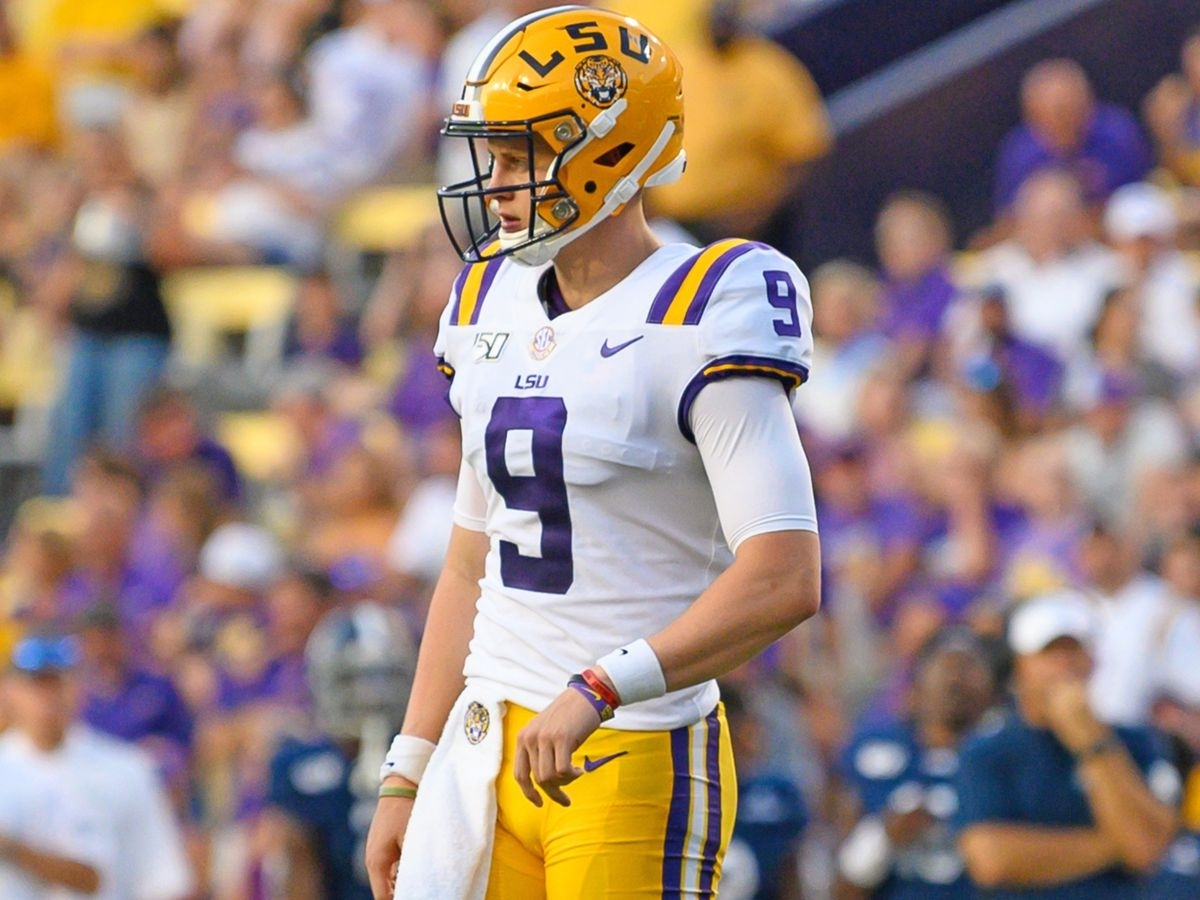 Lsu Heads Outdoors For Practice; Offense Catches Eye Of Sec