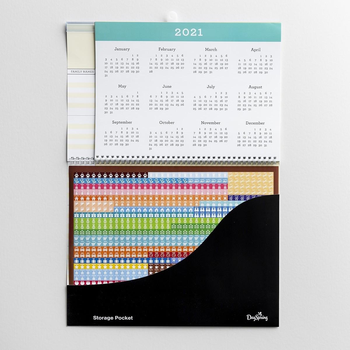 Peanuts - 2020 Family Planner Wall Calendar
