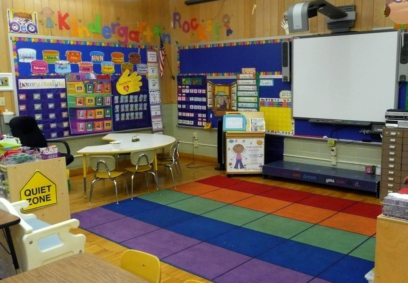 The Very Busy Kindergarten: My Smartboard Calendar