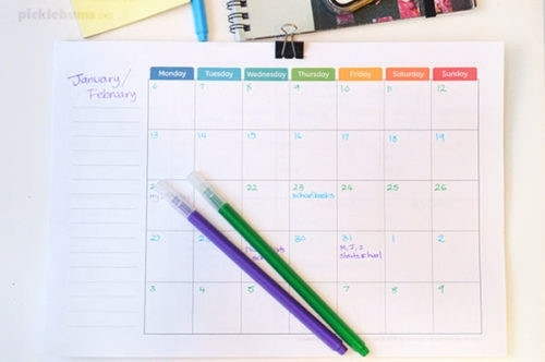 Free Printable Undated Monthly Calendar. - Picklebums